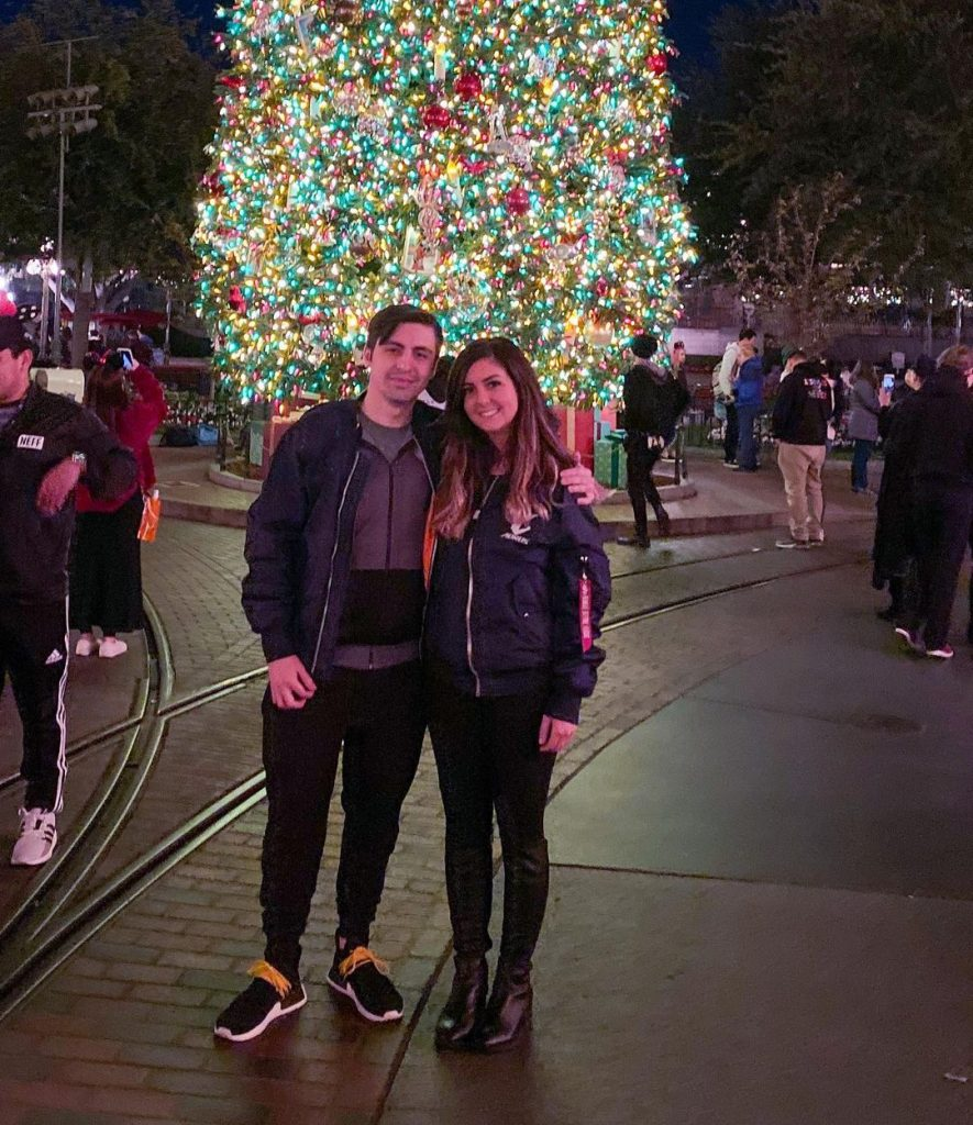 shroud with His girlfriend